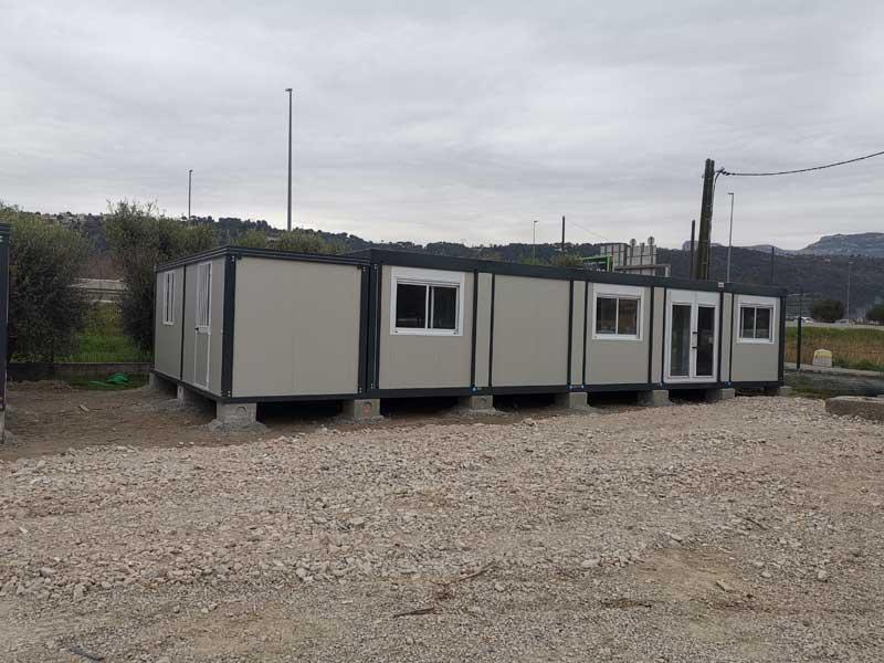 un-ensemble-de-5-bungalows-Série-Plus-avec-ossature